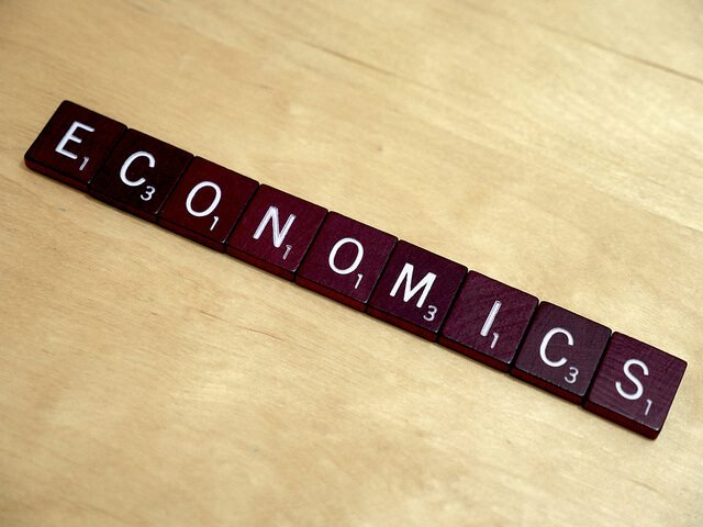 Top 10 Paying Jobs with an Economics Major - DegreeQuery.com