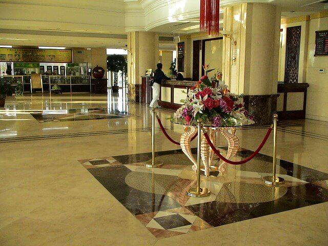 hotel mgemnt