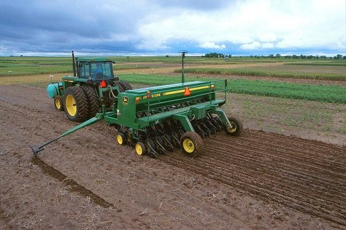 What degree do i need to become an agricultural engineer
