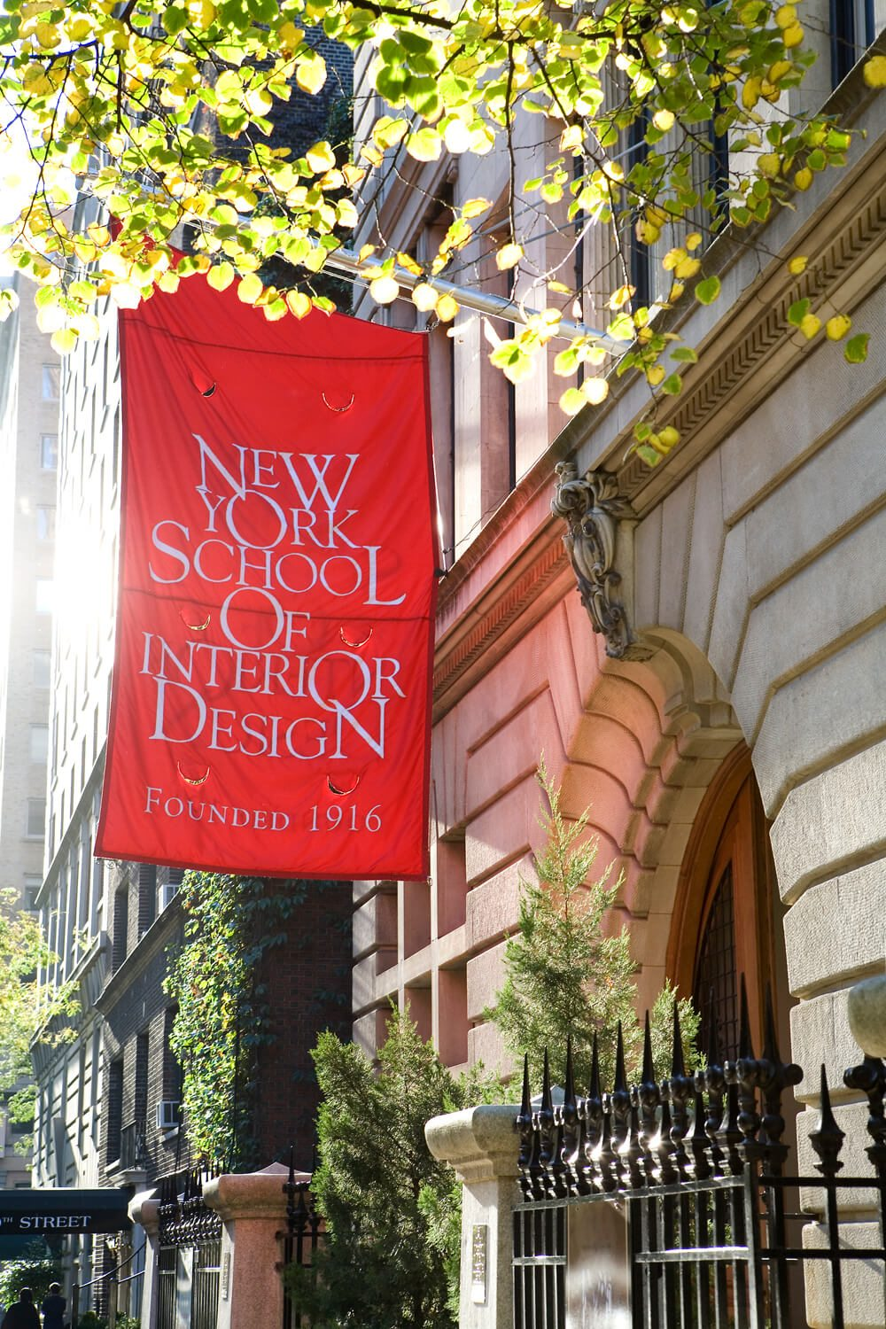 Top 10 interior design schools in the us degreequerycom for Interior decorating classes nyc