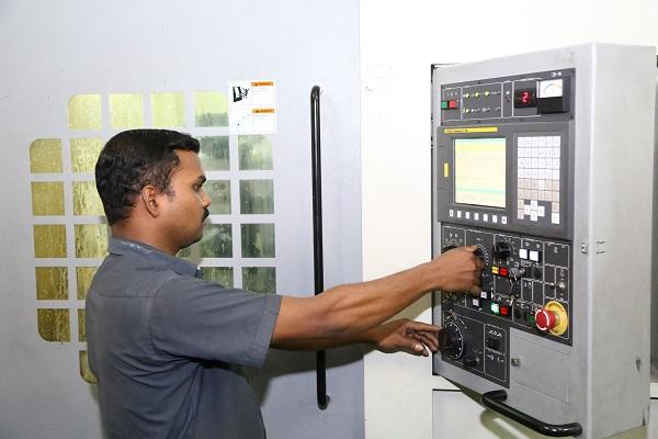 industrial engineering vs mechanical engineering