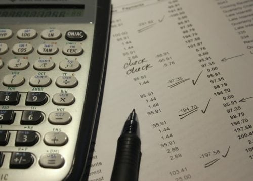 What Is the Difference Between a Bachelor's Degree in Accounting and a Master's Degree in Accounting