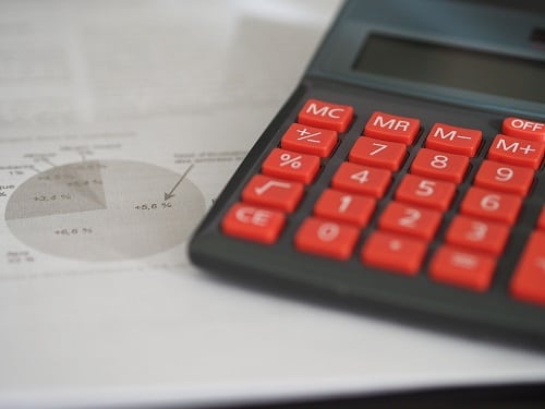 What Is the Difference Between an Accountant and a CPA