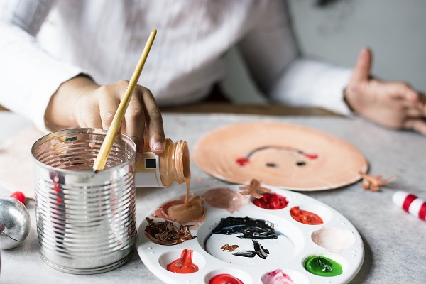What Licenses and Certifications Do I Need to Be an Art Therapist?